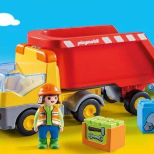Ανατρεπόμενο Φορτηγό με εργάτη