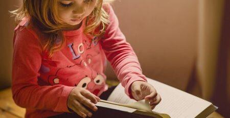 Κορονοϊός: 10 προτάσεις για να περάσετε δημιουργικά τον χρόνο σας στο σπίτι με τα παιδιά σας